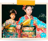 新婦と姉妹による「琉球舞踊」のご披露